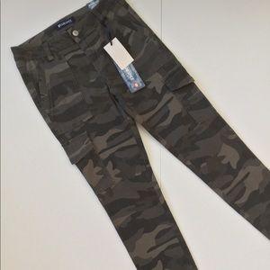 Blue Spice High Waist Utility Ankle Camo Pants NWT